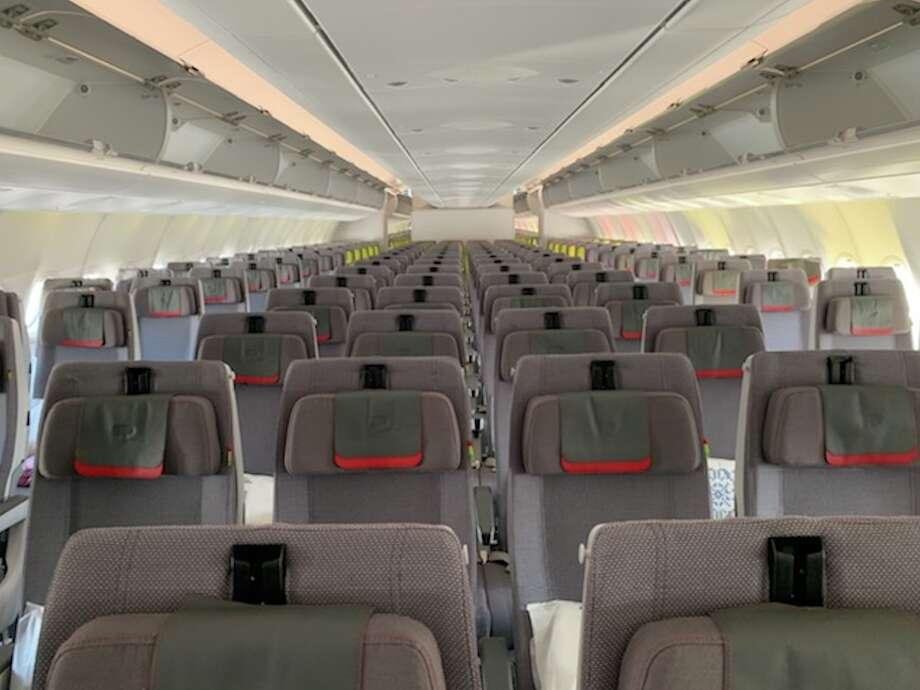 Economy class on TAP Air Portugal's new Airbus A3300neo Photo: Ramsey Qubein
