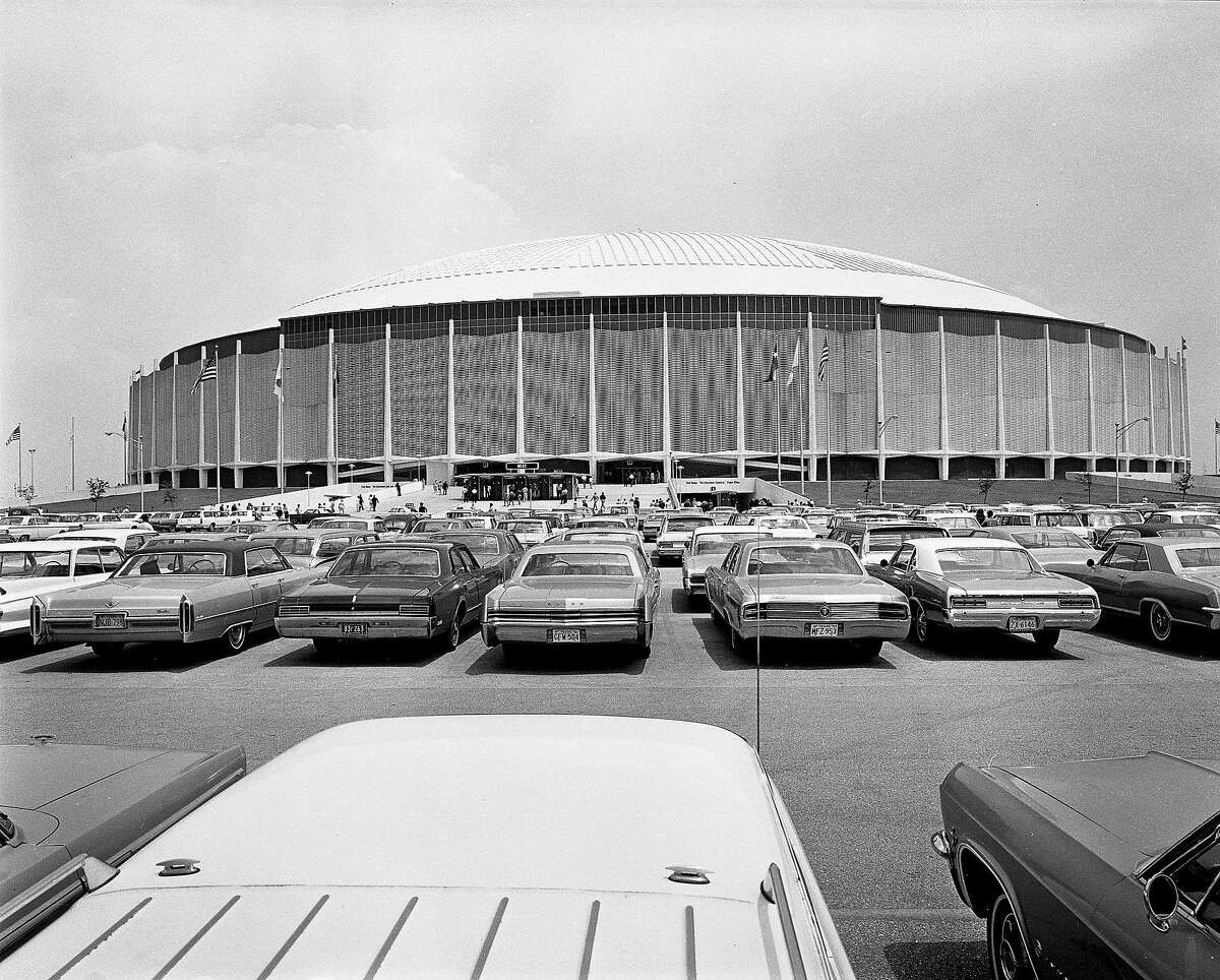 The Astrodome is a really some sort of NSA listening device/station In a note sent to the Houston Chronicle, Dan Nagel said that the proposed green space on top of the Dome site looks just like the design of the AN/FLR-9 antennas used in the Cold War to decipher radio communications. Here's Nagel's messagetext: