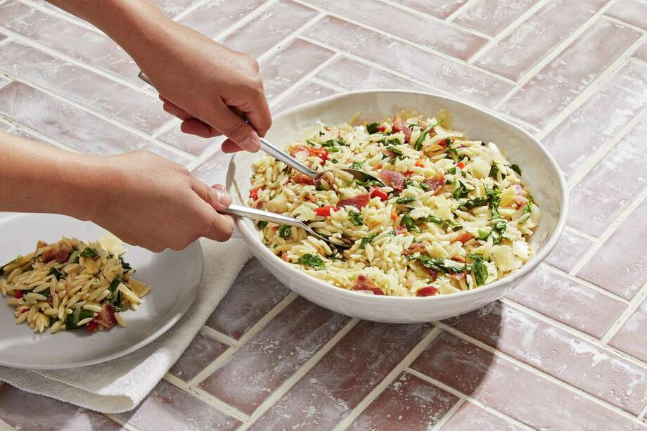 Bacon and Spinach Orzo Salad. Photo: Photo By Tom McCorkle For The Washington Post. / For The Washington Post