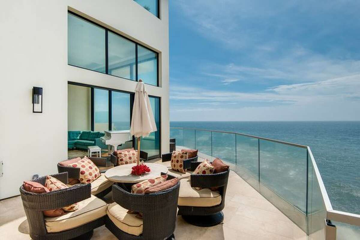 Barry Manilow's former beach house deck.