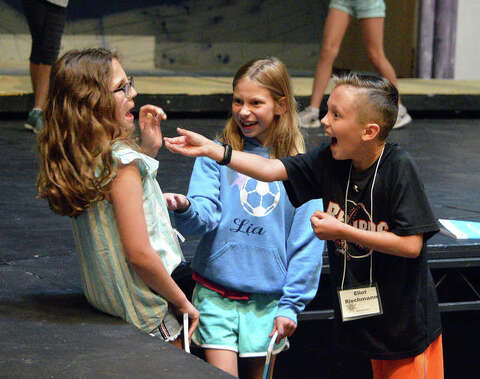 "Cougar Theater kids show off musical talents in ""Frozen Jr"