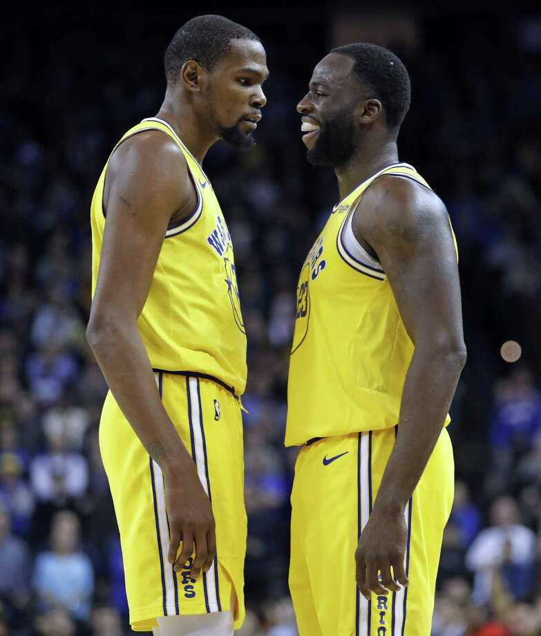 Golden State Warriors' Kevin Durant reacts to a Draymond Green technical foul in 4th quarter of Warriors' 125-123 win over Sacramento Kings in NBA game at Oracle Arena in Oakland, Calif., on Thursday, February 21, 2019. Photo: Scott Strazzante / The Chronicle / San Francisco Chronicle