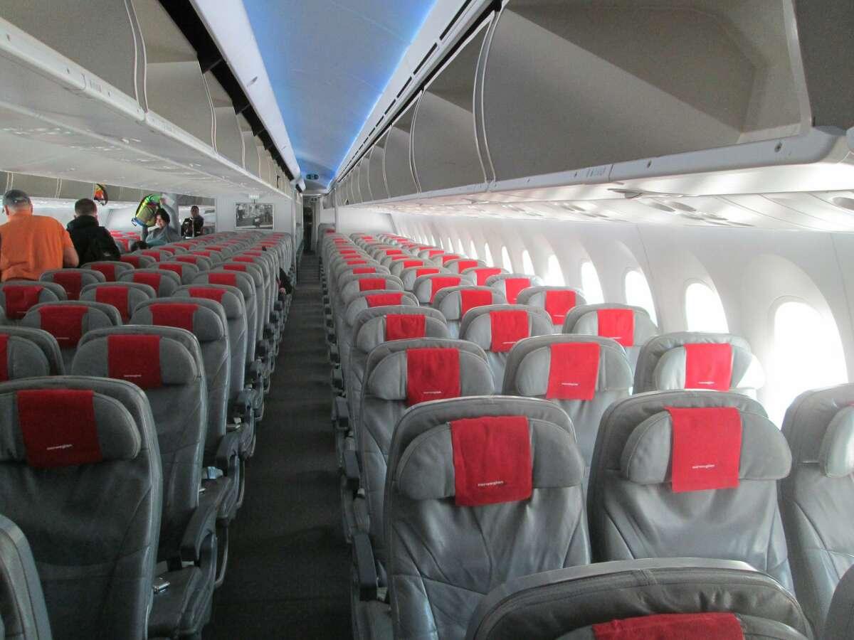 Norwegian economy cabin is configured 3-3-3 with 32 inches of legroom