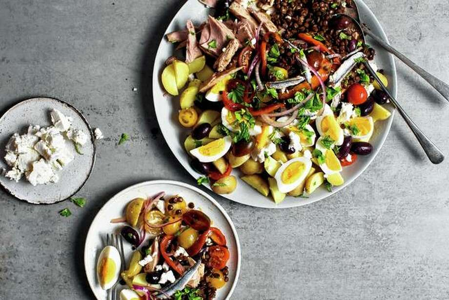 A Mediterranean lentil salad is an easy main course suitable for a picnic. Photo: Andrew Scrivani | The New York Times