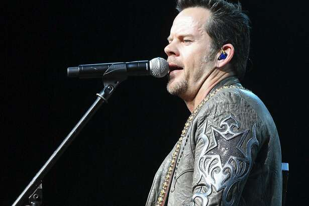 Gary Allan performs Monday Feb. 14, 2011 during the San Antonio Stock Show & Rodeo at the AT&T Center. (PHOTO BY EDWARD A. ORNELAS/eaornelas@express-news.net)