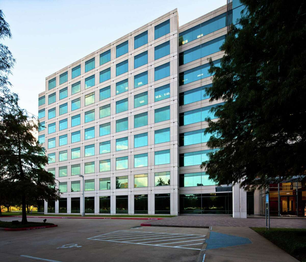 Pinnacle Westchase, the 470,000-square-foot office building at 3010 Briarpark Drive, is owned by Treeview Real Estate Advisors.