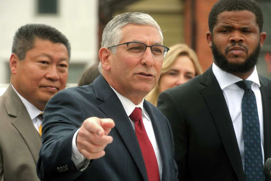 State Sen. Minority Leader Len Fasano Photo: Ned Gerard / Hearst Connecticut Media / Connecticut Post