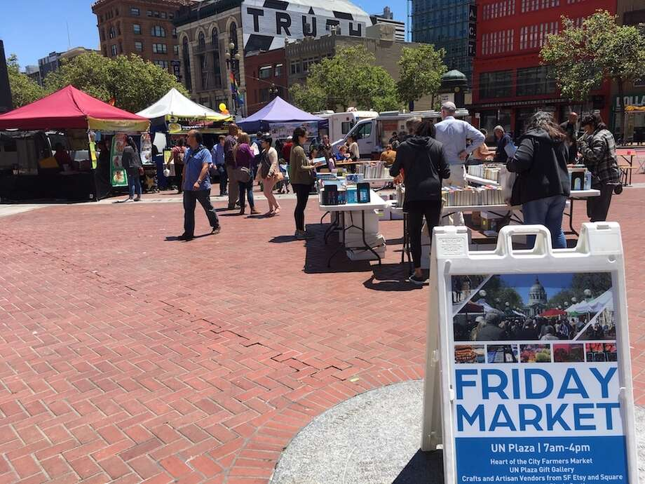 UN Plaza hosts food trucks, craft vendors and a farmers market each Friday   Photo: Carrie Sisto/Hoodline