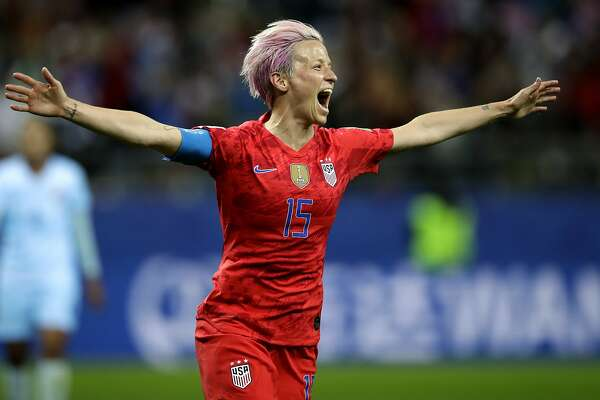 United States 'Megan Rapinoe celebrates after scoring her side's 9th goal during the Women's World Cup Group F soccer match between United States and Thailand at the Stade Auguste-Delaune in Reims, France, Tuesday, June 11, 2019. (AP Photo/Alessandra Tarantino)