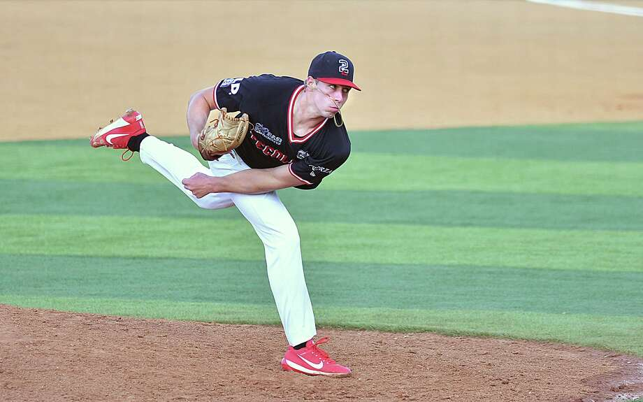 Luke Heimlich took the loss Wednesday at Uni-Trade Stadium allowing five runs (three earned) with seven strikeouts in 5.1 innings as the Tecolotes Dos Laredos fell 5-2 in their rubber match with Acereros de Monclova. Photo: Cuate Santos / Laredo Morning Times / Laredo Morning Times