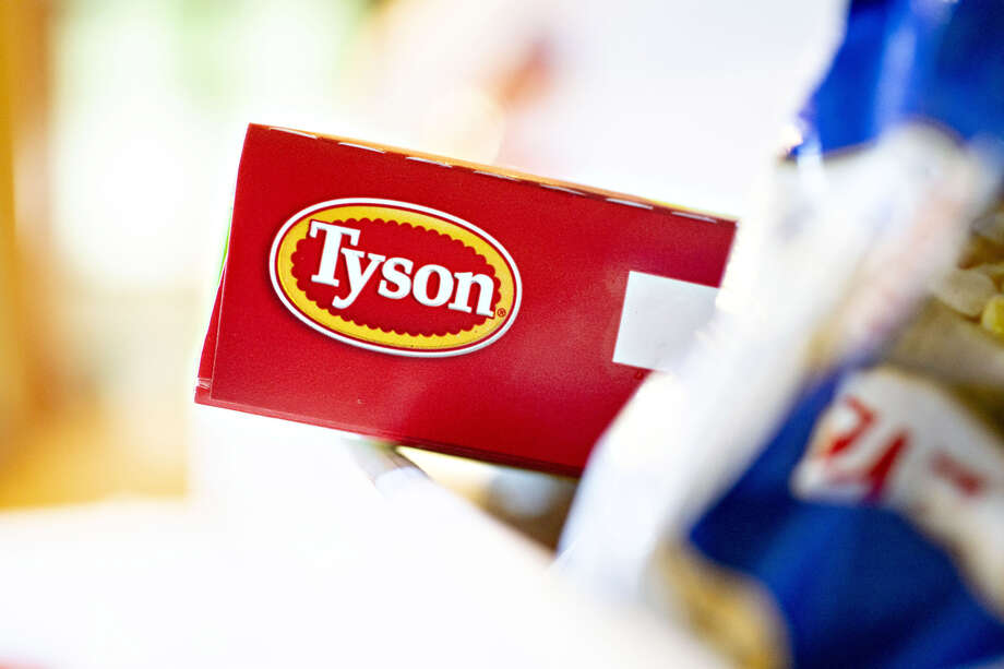 Tyson Foods, the biggest U.S. meat processor, wants in on the veggie protein market. Photo: Bloomberg Photo By Daniel Acker / Bloomberg