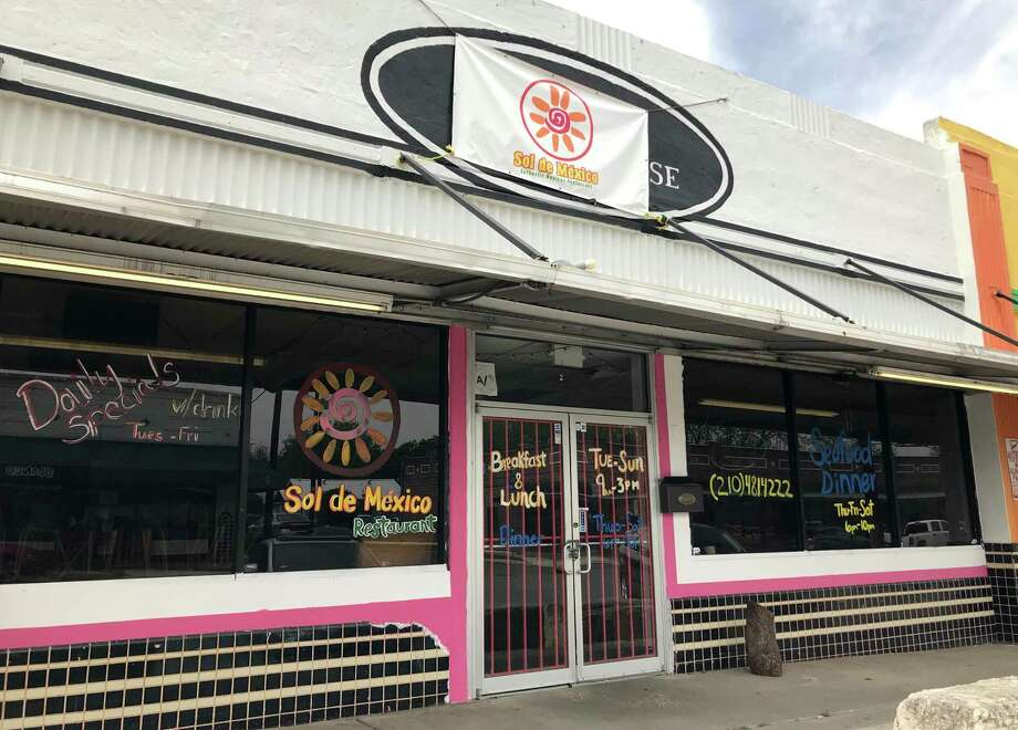 Julia's Bistro & Bar occupies the former home of Sol de Mexico at 1725 Blanco Road. Photo: Paul Stephen /Staff File Photo
