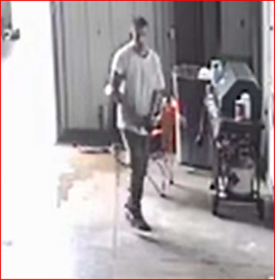 San Antonio police are looking for this man, who burglarized a Goodwill Industries on 1731 S. San Marcos on May 26, 2019. Photo: San Antonio Police Department
