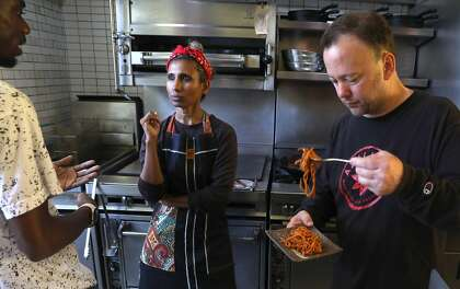 Mahila gives San Francisco an introduction to Malaysian mamak culture