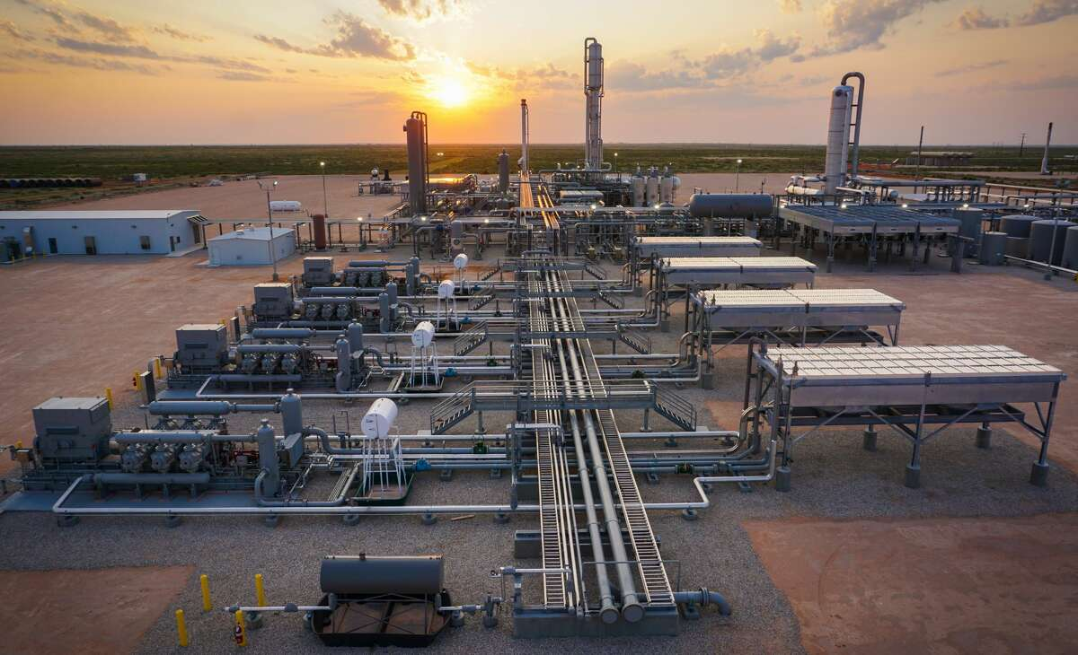The Roadrunner Natural Gas Processing Complex in Eddy County, New Mexico was developed by Lucid Energy Group with funding from San Antonio-based EnCap Flatrock Midstream.