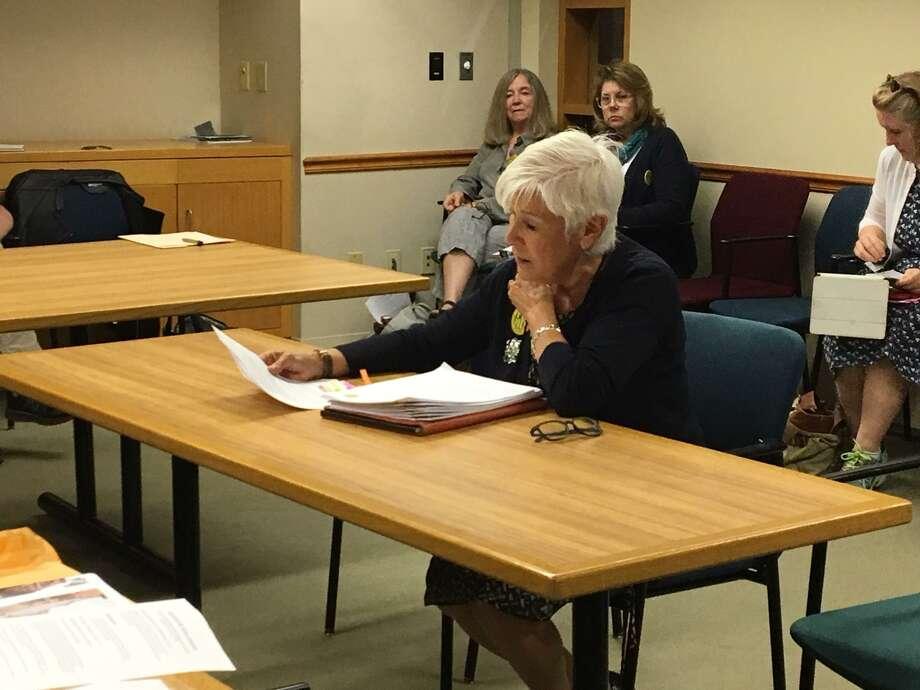Olivia Martson addresses the Historic District Commission. Photo: Mary E. O'Leary / Hearst Connecticut Media /