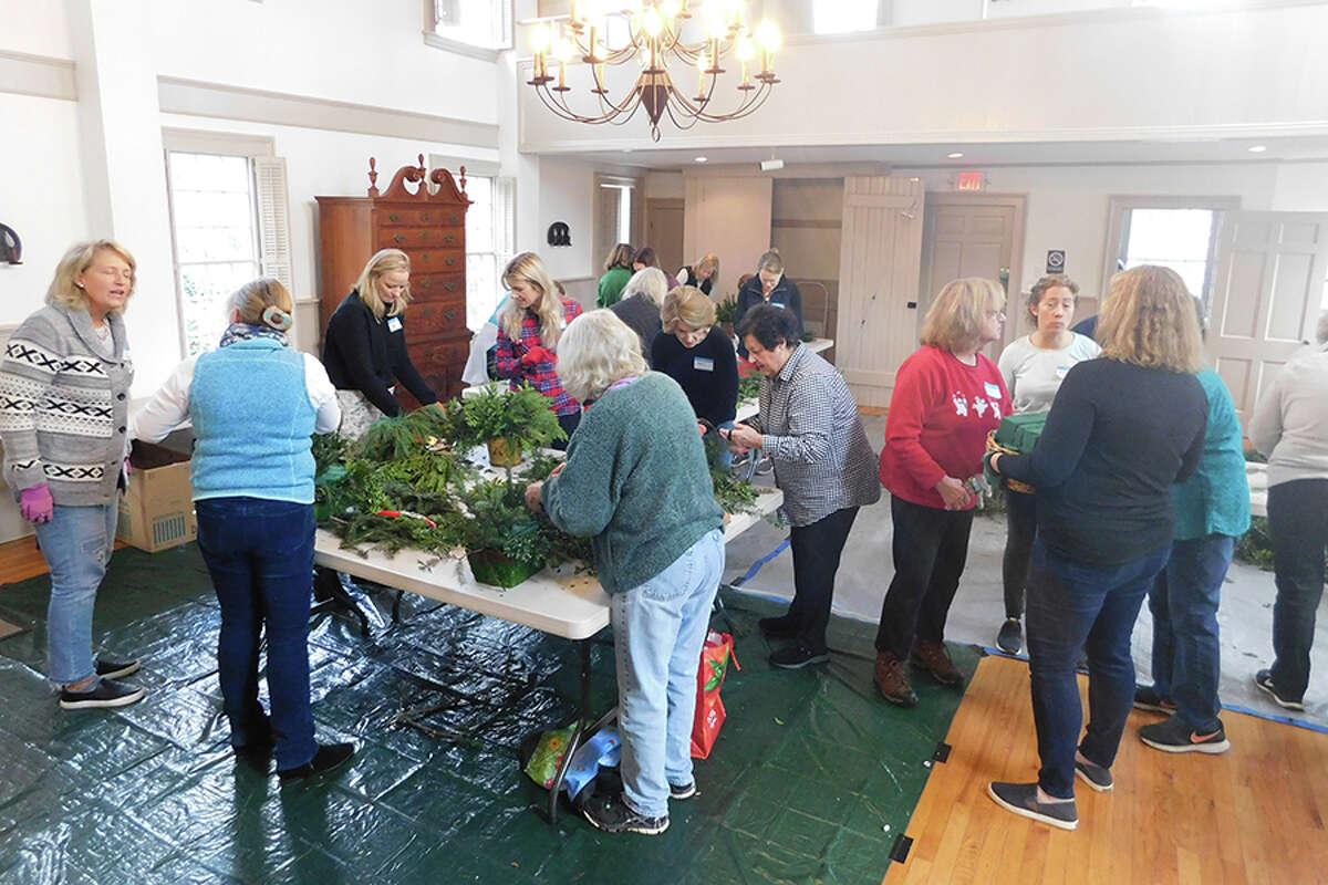 wilt garden club holiday workshop 5