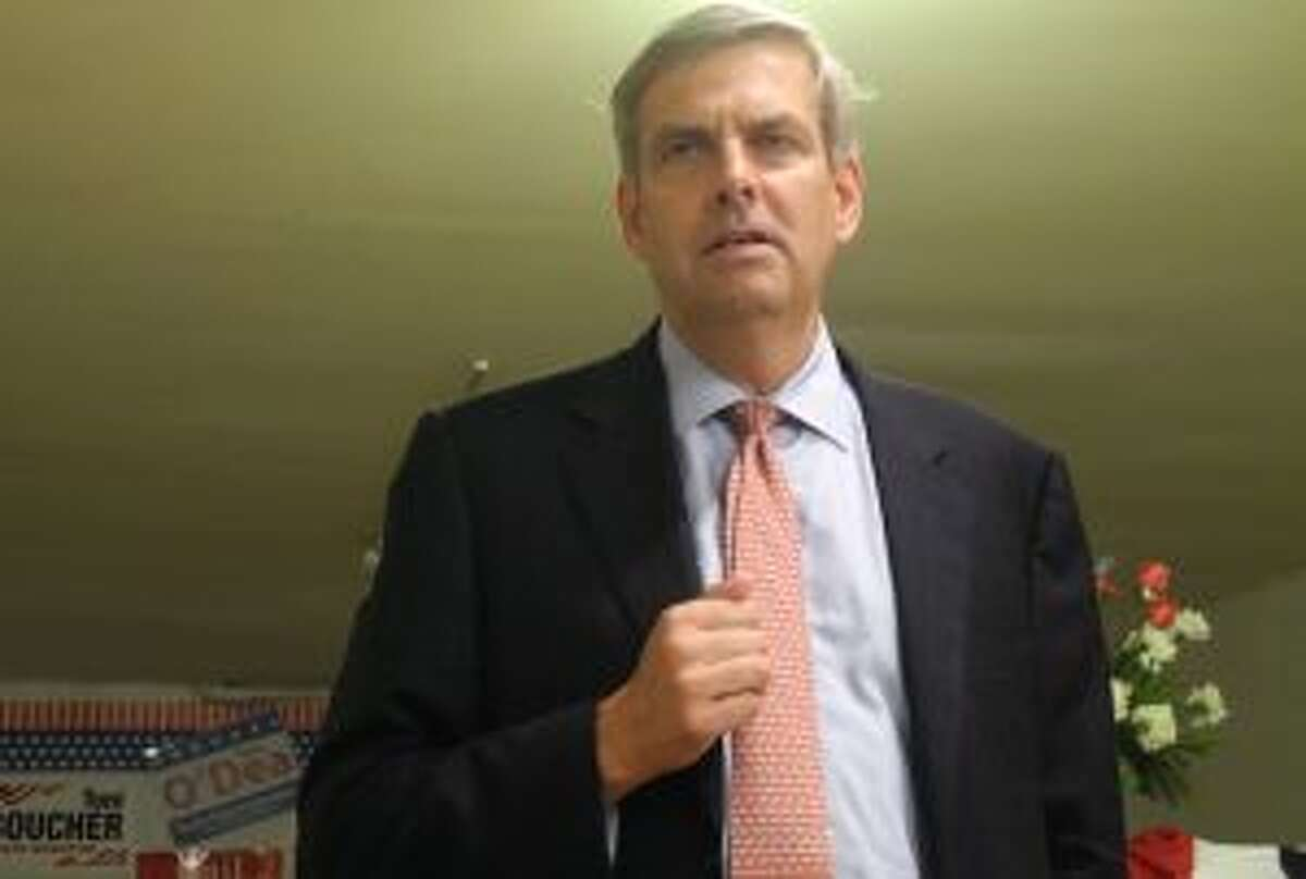 Bob Stefanowski addresses Wilton Republicans at GOP headquarters this summer. - Jeannette Ross photo