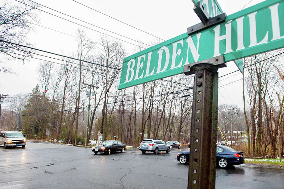 The Belden Hill/Wolfpit Road intersection during rush hour. / BryanHaeffele