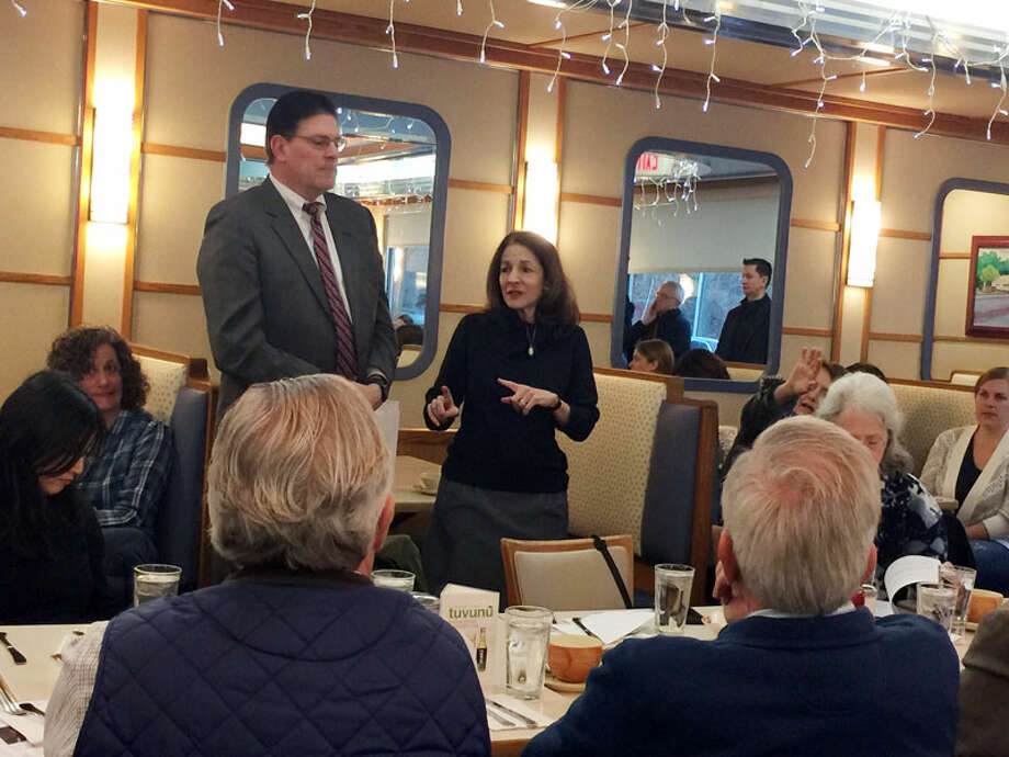 State legislators Tom O'Dea and Gail Lavielle discussed school regionalization and other issues with a packed crowd at Orem's Diner on Tuesday morning. — Patricia Gay photo
