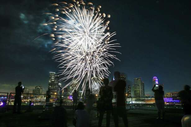 Fireworks shoot off in front of the Houston skyline for the Freedom over Texas Fireworks Spectacular Tuesday, July 4, 2017 in Houston. ( Michael Ciaglo / Houston Chronicle )