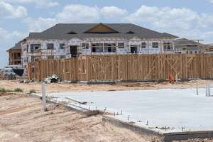 New apartment complex being built in the 6000 block of Briarwood Ave between Navasota Dr and Avalon Dr.. 06/13/19 Tim Fischer/Reporter-Telegram