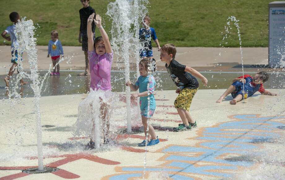 The National Weather Service reports that the average temperature in August at Midland International is above 89 degrees, which is nearly 1 degree higher than the next closest month -- July 2016.  Photo: Tim Fischer/Midland Reporter-Telegram