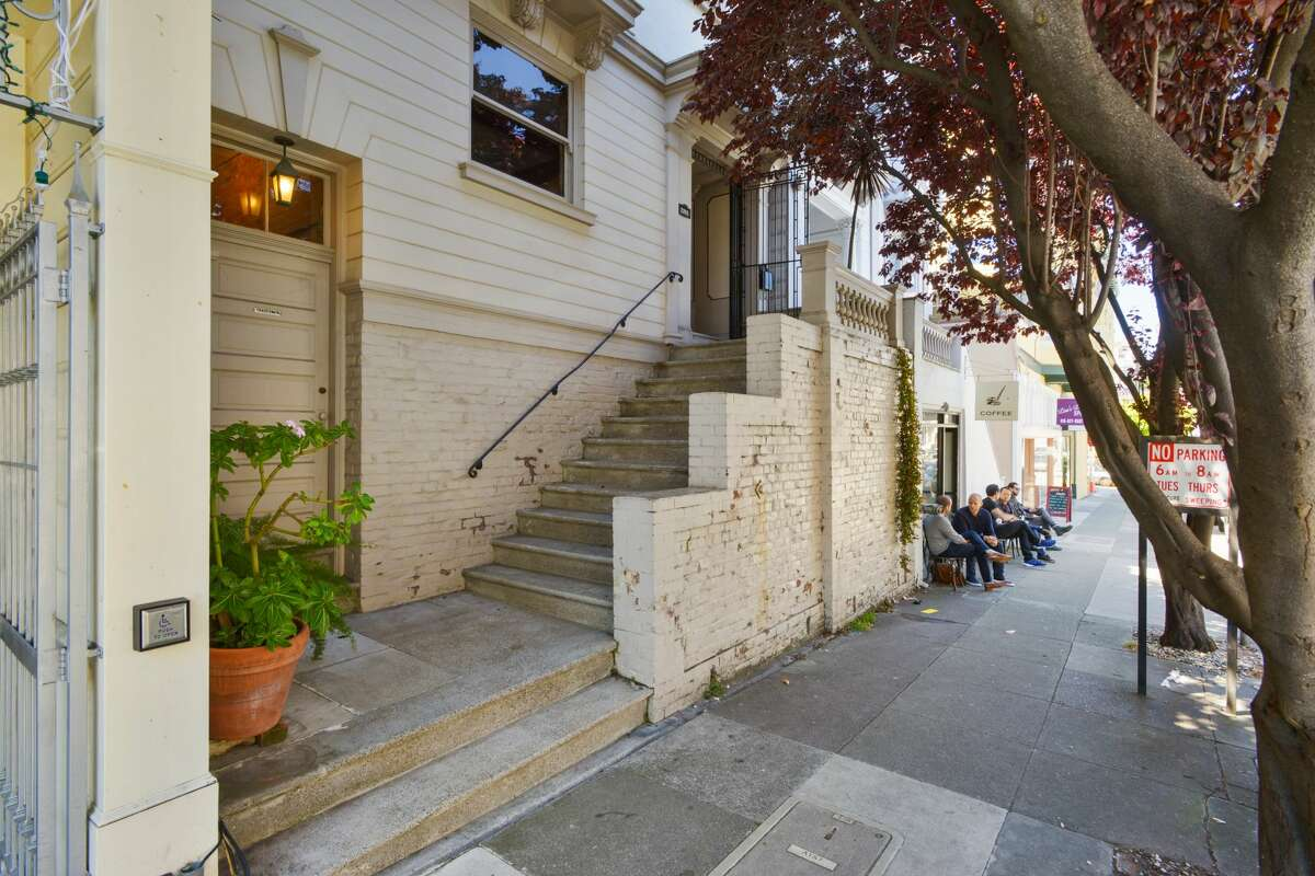 What would you do with this grand Victorian in SF'S Cow Hollow? $5M gives you the rights to decide.