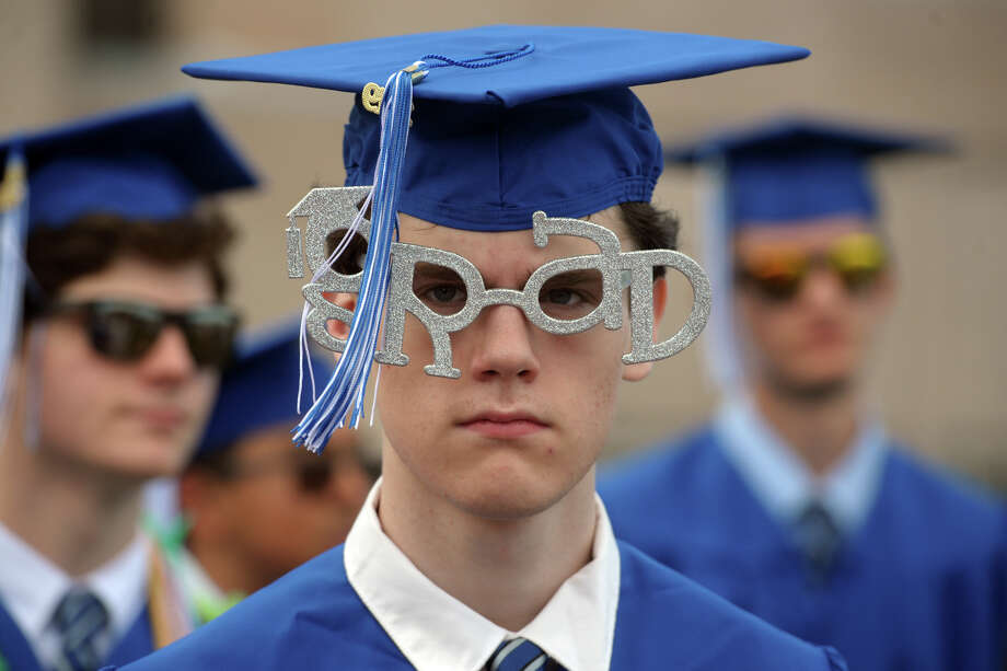 Graduation for the Fairfield Ludlowe High School Class of 2019, in Fairfield, Conn. June 14, 2019. Photo: Ned Gerard, Hearst Connecticut Media / Connecticut Post
