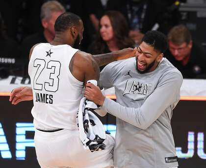 Anthony Davis Trade To Lakers Blows Up Twitter Sfchronicle Com