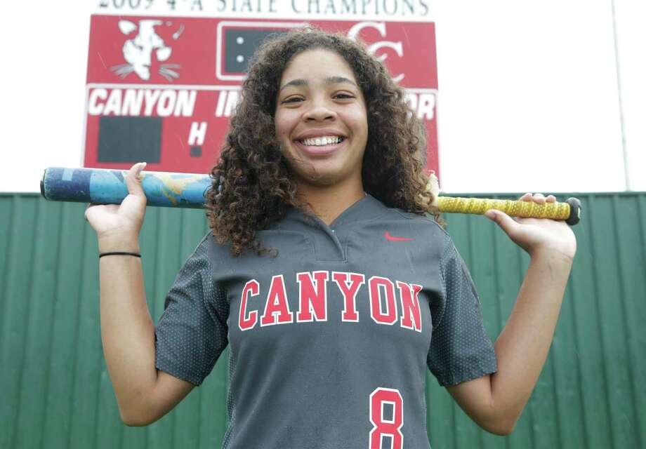 New Braunfels Canyon's Aliyah Pritchett, the 2018-19 E-N Female Athlete of the Year, will play softball for Baylor. Photo: Tom Reel / Staff Photographer / 2019 SAN ANTONIO EXPRESS-NEWS