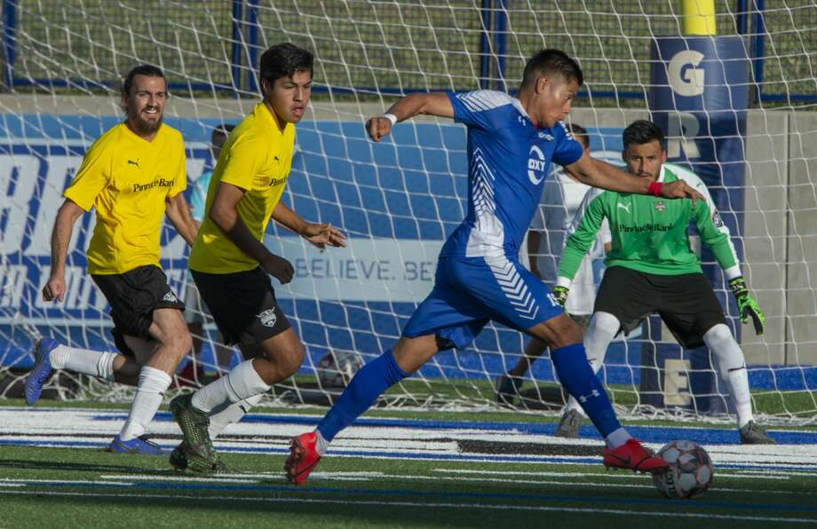 Sockers' Julio Vargas Luna brings the ball across the net to get a shot on goal 06/15/19 as they battle the Ft. Worth Vagueros at Grande Communications Stadium. Tim Fischer/Reporter-Telegram Photo: Tim Fischer/Midland Reporter-Telegram