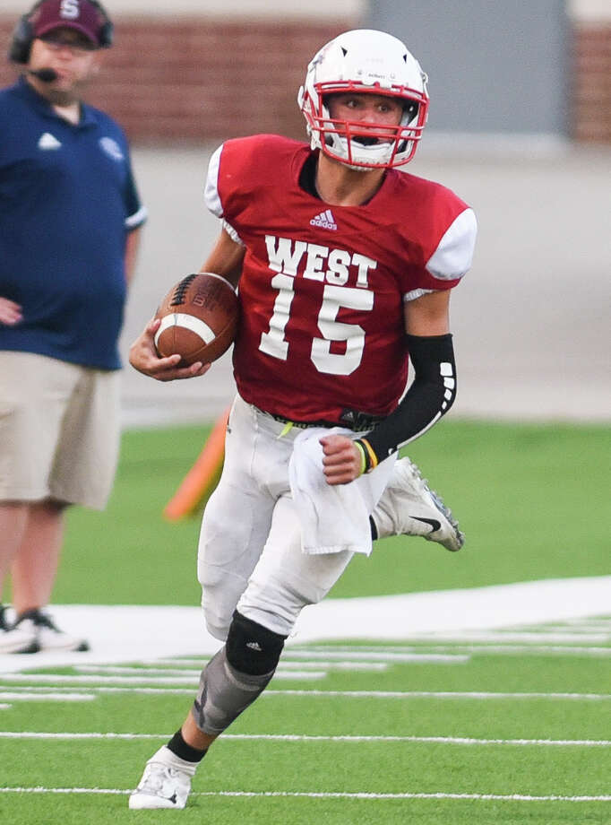 East and West faced off during the SETCA All-Star football game at the BISD Memorial Stadium on Saturday. Photo taken on Saturday, 06/15/19. Ryan Welch/The Enterprise Photo: Ryan Welch/The Enterprise / © 2019 Beaumont Enterprise