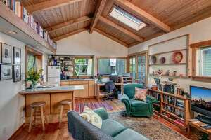Charming and quintessential, Westlake Ave houseboat asks $575K.