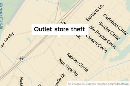 Vacaville Outlets Map >> Thieves Sought In Heist Of 8 000 Worth Of Clothes At Vacaville