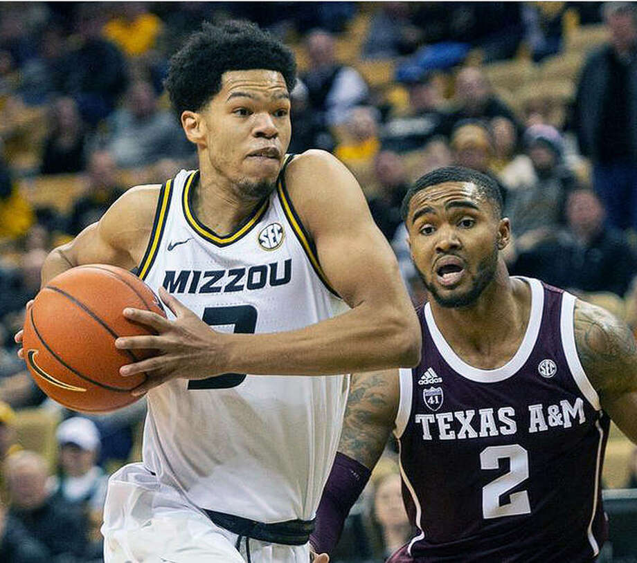 Missouri grad transfer Ronnie Suggs, a 6-foot-6, 190-pound guard, signed with SIU Carbondale on Friday. Suggs played in 27 games last year for the Tigers and averaged 1.7 points and 1.3 rebounds. Photo: Mizzou Athletics