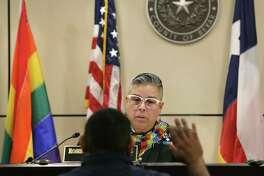 A reader is offended by the rainbow flag in Bexar Judge Rosie Speedlin-Gonzalez's courtroom.
