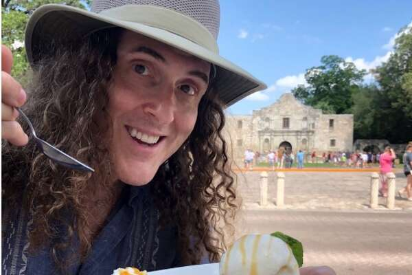 """""""Weird Al"""" Yankovic joked to """"remember the à la mode"""" while in San Antonio on Sunday."""