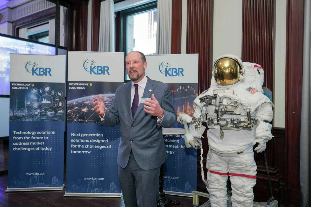 Houston information technology company KBR has recently landed contracts to help NASA return to the Moon and put a man on Mars. The company also designed an made a space suit for use by astronauts. The suit was displayed at the company's Friday, May 3, 2019 investors day in New York City where CEO Stuart Bradie spoke about the the company's pivot away from construction and oil & gas projects to information technology and government services.