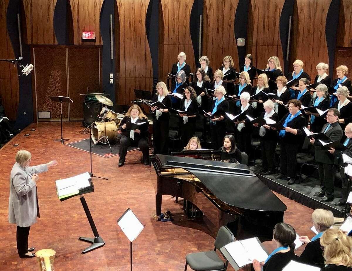 Daniela Sikora conducts the world premiere of