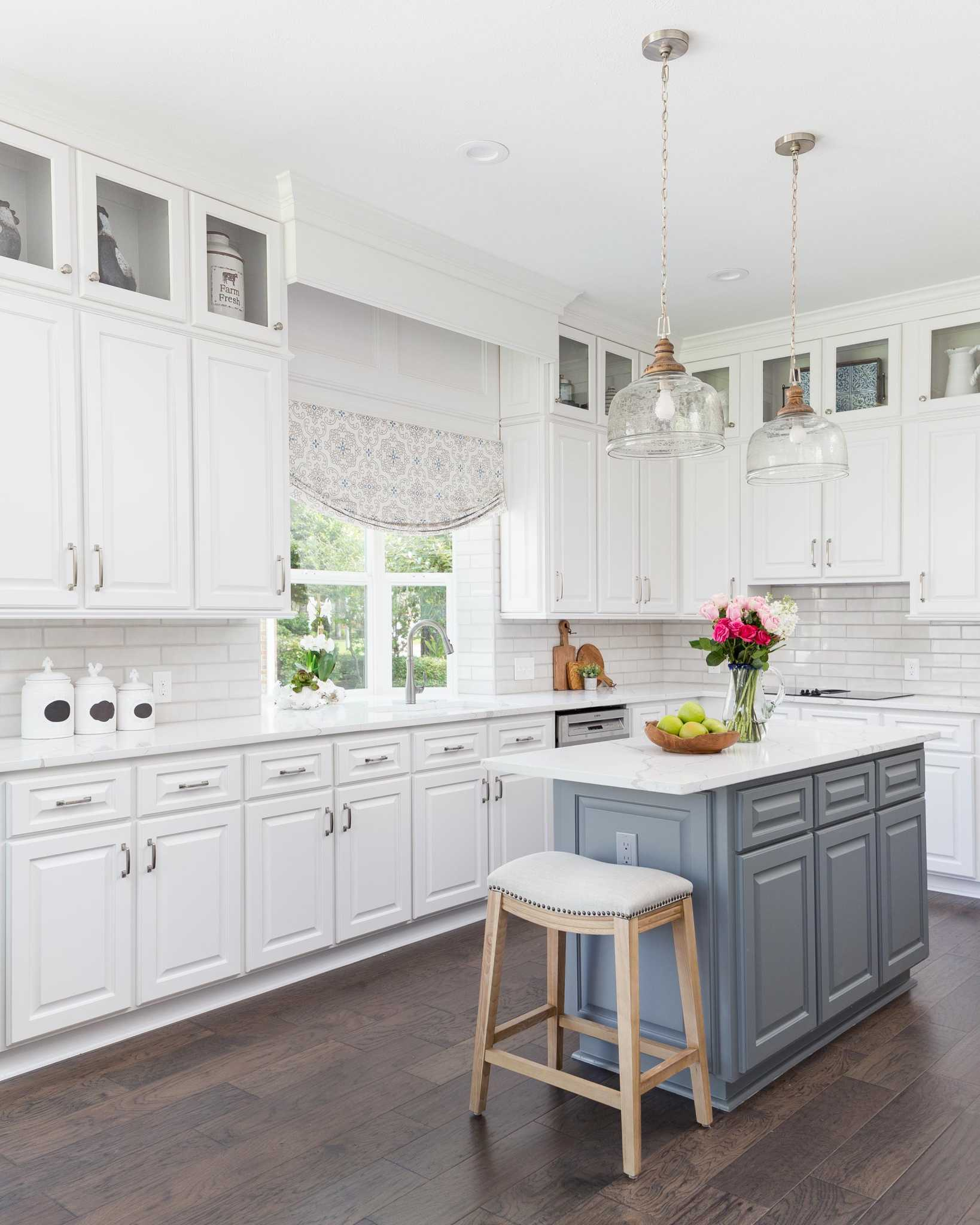 Wondrous Transforming An Ordinary Kitchen Into Something That Will Interior Design Ideas Helimdqseriescom