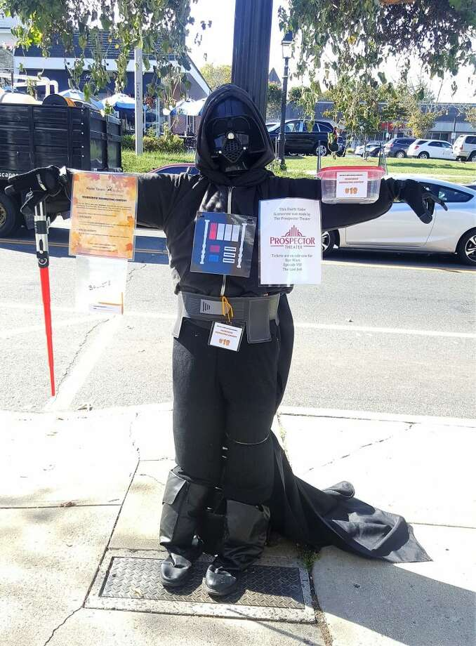 The 2017 Scarecrow Contest ballot vote winner Darth Vader scarecrow by The Prospector Theater.