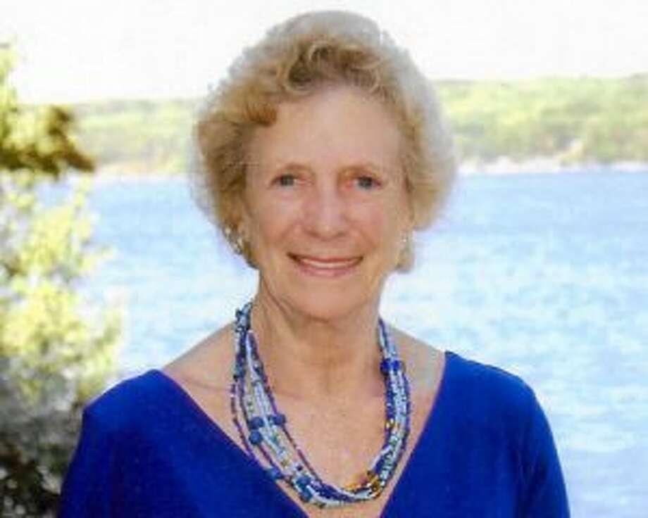 Lynne Pleuthner Green