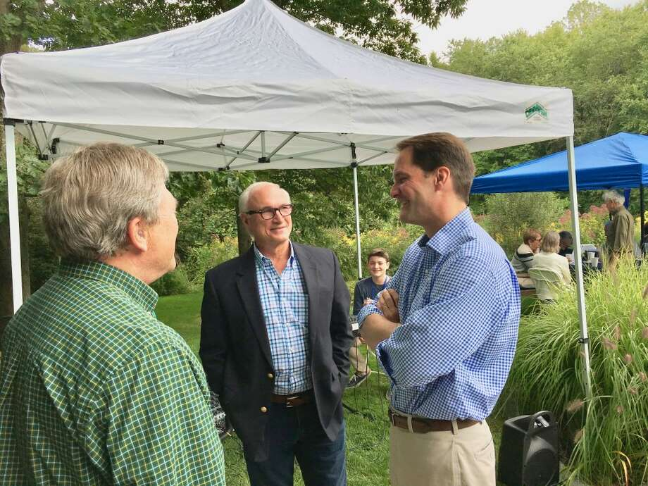 First Selectman Rudy Marconi speaking with Congressman Jim Himes at Pie & Politics 2017