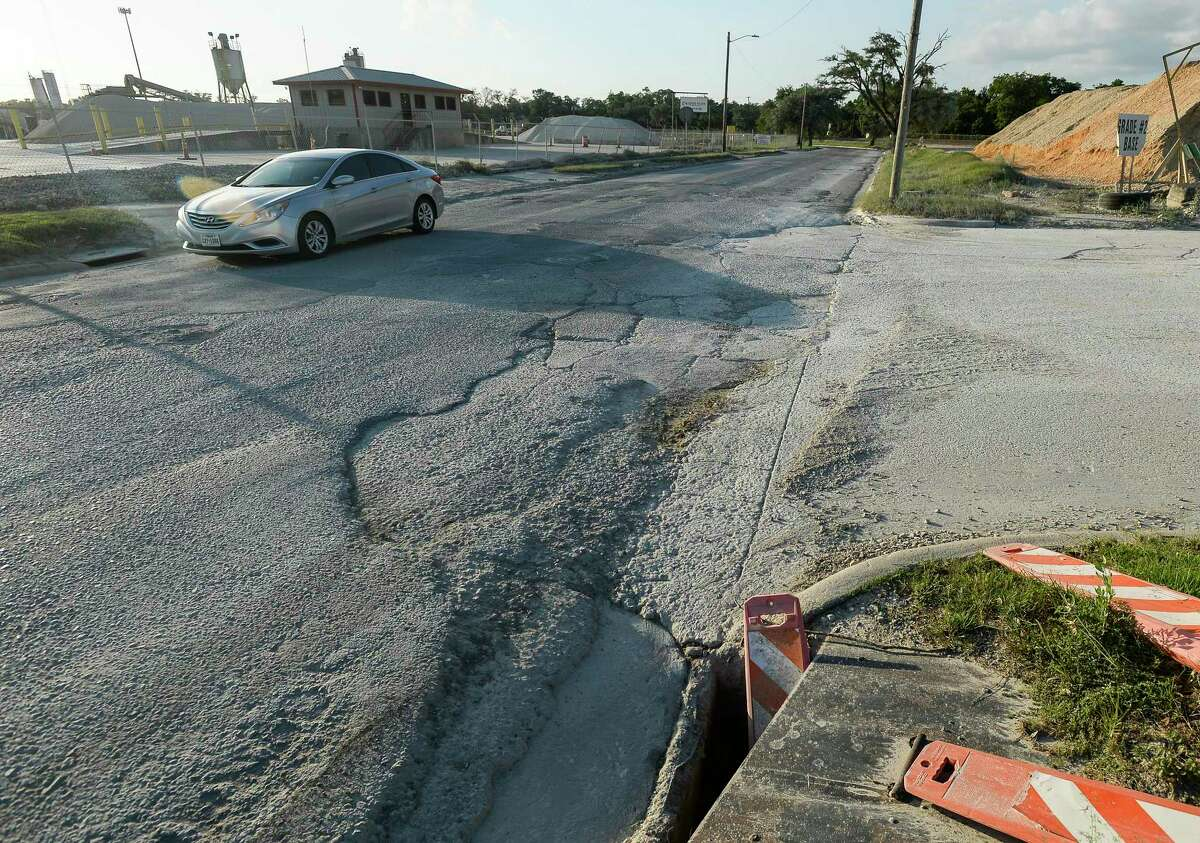 A vehicle drives down Seventh St. between IH10 and Dolinger Wednesday afternoon. The city of Beaumont is looking at permanently closing the road and will be having a public meeting about it Thursday. Photo taken on Wednesday, 05/29/19. Ryan Welch/The Enterprise
