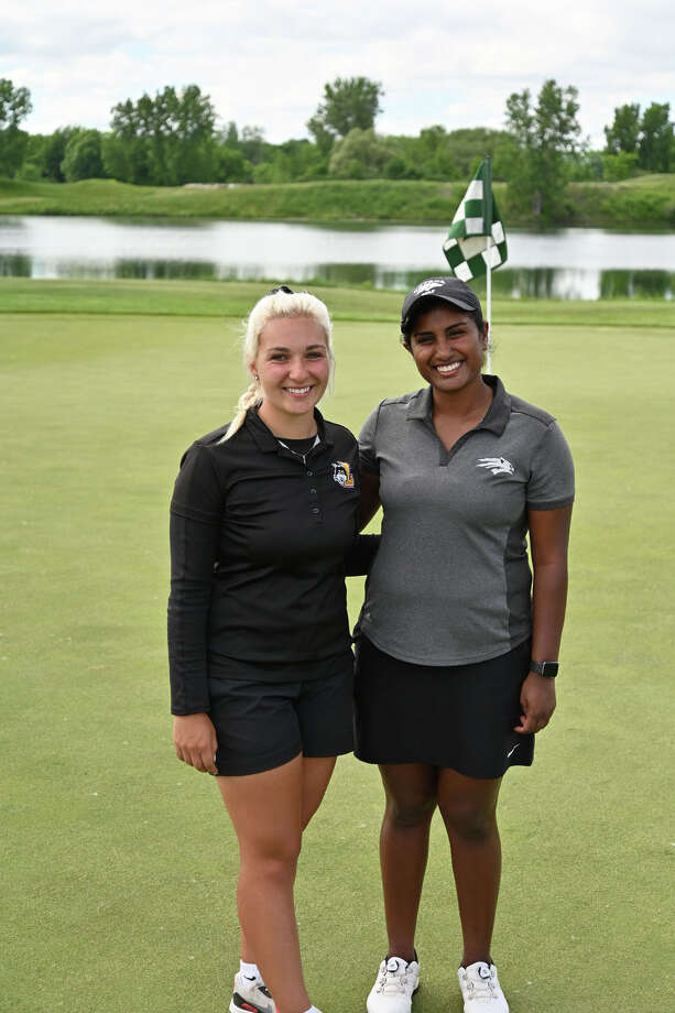 Elayna Bowser, left, and Chaithra Katamneni won the Amateur Qualifier for the Dow Great Lakes Bay Invitational on Monday at Bucks Run in Mount Pleasant. Photo: Robert Spears Photography / Robert Spears