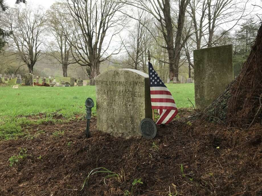 A Revolutionary War grave in Olde Town Cemetery.