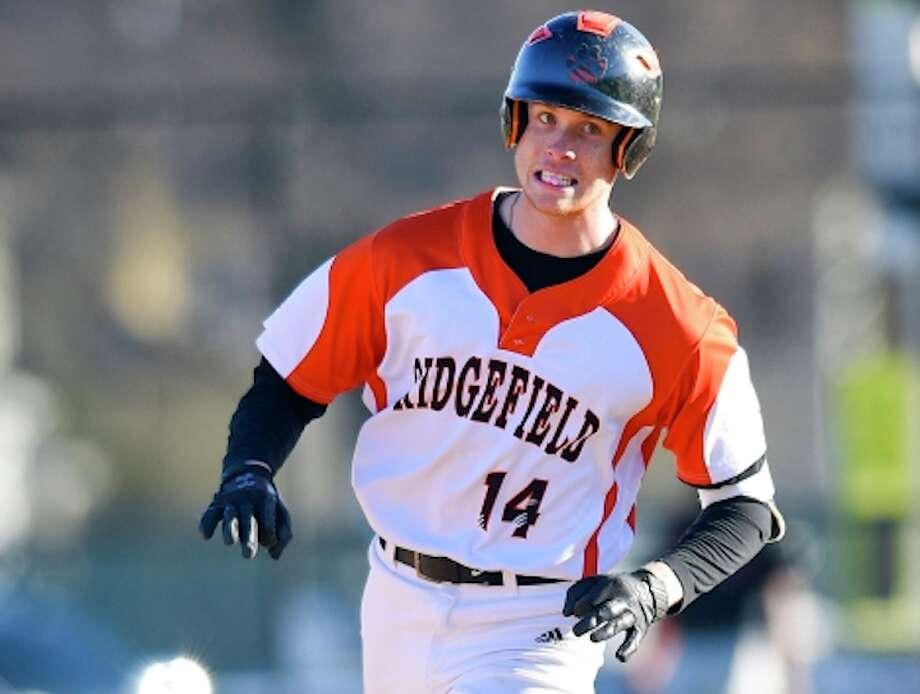 Joey Pastore had the game-winning hit in Ridgefield's 3-2 victory over Greenwich. — Matthew Brown / Hearst Connecticut Media / Stamford Advocate