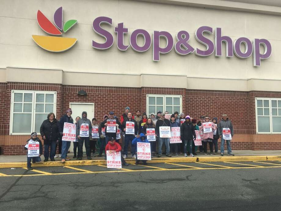 Stop and Shop employees in Ridgefield continued to protest outside of the grocery store on Danbury Road Friday, April 11. — Stephen Coulter / Hearst Connecticut Media