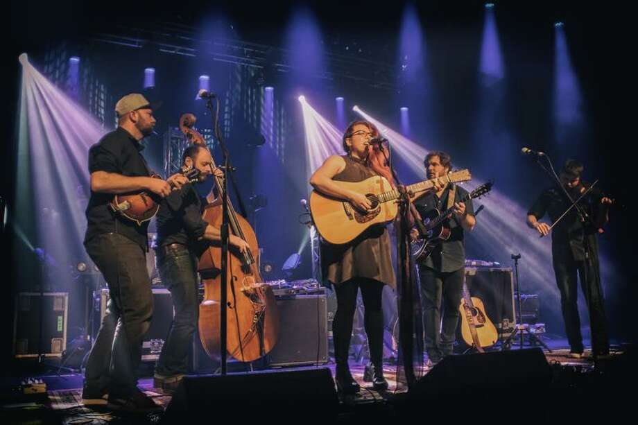 Roots pop band Front Country performs. Pictured from left: Adam Roszkiewicz, Jeremy Darrow, Melody Walker, Jacob Groopman and Leif Karlstrom.